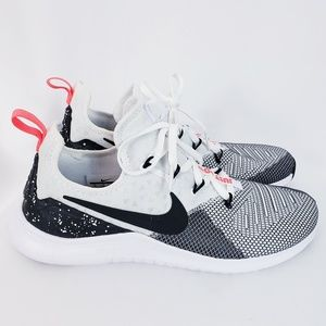 Nike Free TR 8 trainer Just Do It